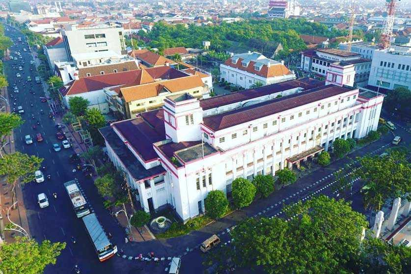 Gedung Internatio Surabaya