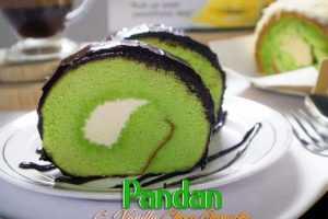 Oleh Oleh Khas Surabaya Roll Cake Pandan Cream Vanilla Choco Ganache