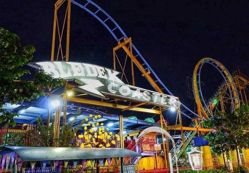 Bledek Coaster Surabaya Carnival Park