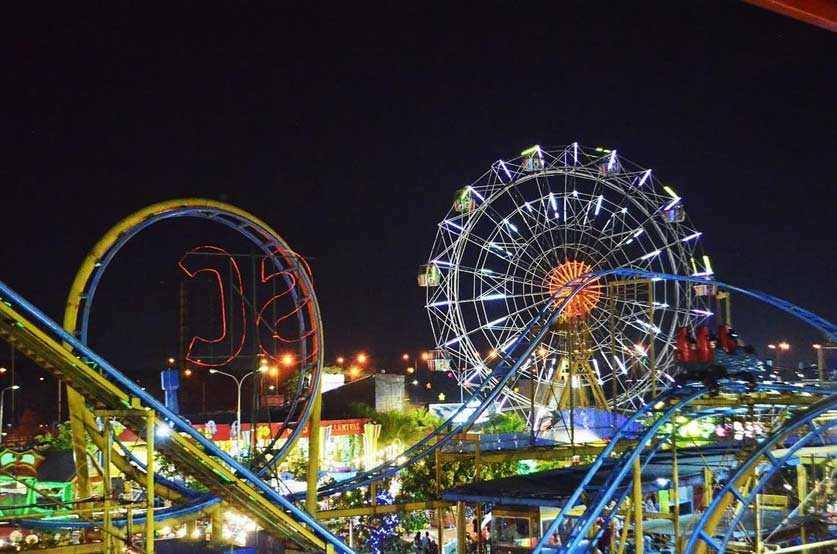 Wahana Permainan Suroboyo Carnival Park