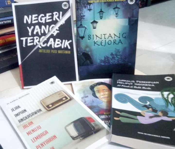 Peluncuran Buku Cetak Dan Digital