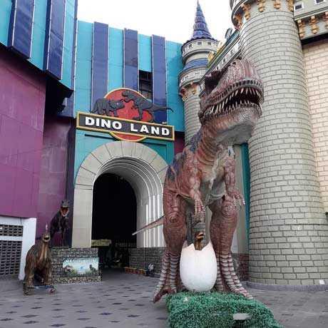 Dino Land di Atlantis Kenjeran Surabaya
